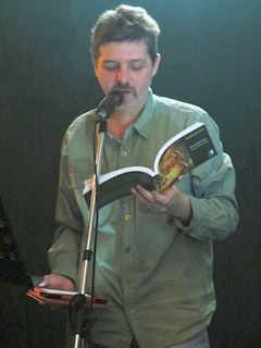 De la poetica Margento la mate-informatică și retur, prin eseu, traduceri și performance poetry