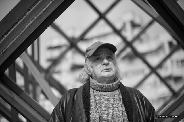 Dosar de scriitor: Emil Brumaru (I)
