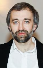 Interviu cu scriitorul Iulian Tănase