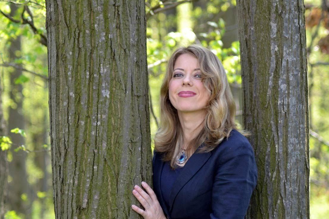 Ioana Nicolaie, de vorbă cu Maria Pop: Noi toți suntem povești