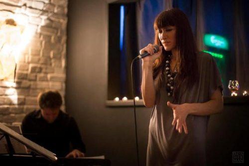 De vorbă cu Cătălina Beța: Există în piesele de jazz o anume sofisticăreală, o complexitate, chiar şi în simplitate, care îmi bucură simţurile.