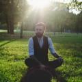 """Interviu cu Marius Chivu: """"În ceea ce mă priveşte, atunci cînd scriu mă transform, în mod deliberat…"""""""