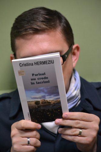Cristina Hermeziu - Parisul nu crede în lacrimi